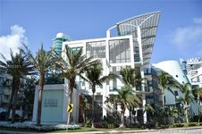 6000 Collins Ave Unit 323