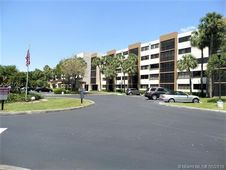 9735 NW 52nd St Unit 315