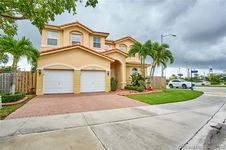 8201 NW 113th Ct