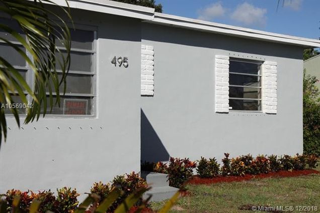 Tremendous House For Sale In North Miami Fl Mls A10569042 Estately Home Interior And Landscaping Elinuenasavecom