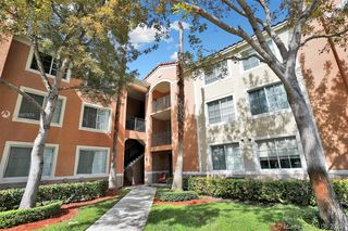 6831 SW 44th St Unit 305