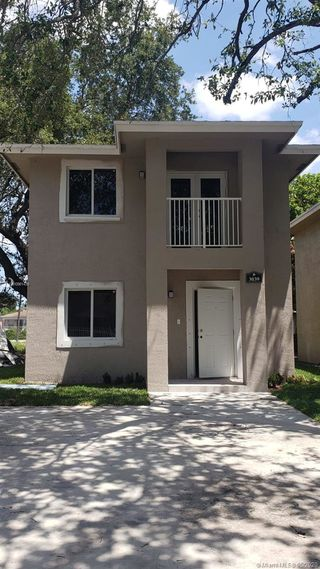 3055 NW 45th St