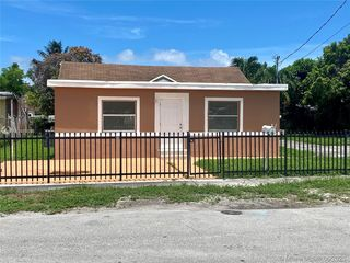 8135 NW 15th Ave