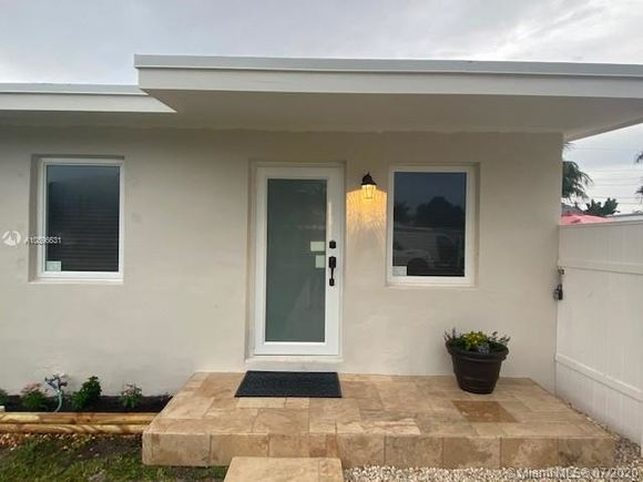 9900 SW 49th St - Photo 1 of 27
