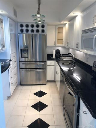 5005 Collins Ave Unit 1025