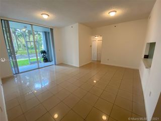 9725 NW 52nd St Unit101