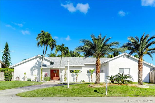 14221 SW 104th Ave - Photo 1 of 31