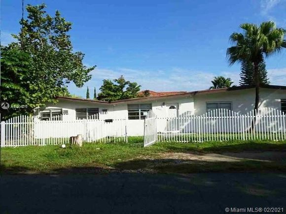 6501 SW 34th St - Photo 1 of 15