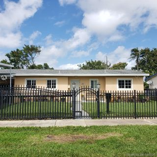 1231 NW 179th Ter