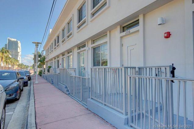 2160 Park Ave Unit206 - Photo 1 of 29