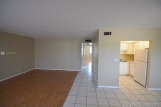 1400 NE 54th St Unit 203
