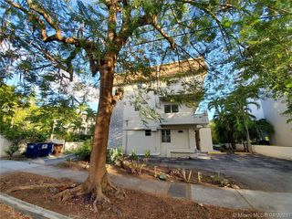 3011 SW 1st Ave Unit 9