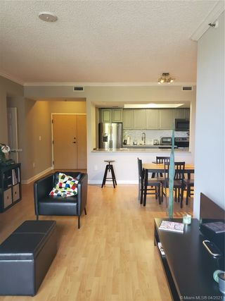 9805 NW 52nd St Unit303