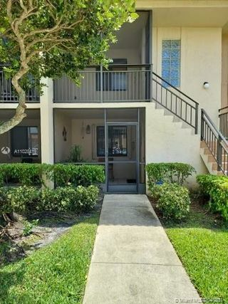 398 Lakeview Dr Unit 105