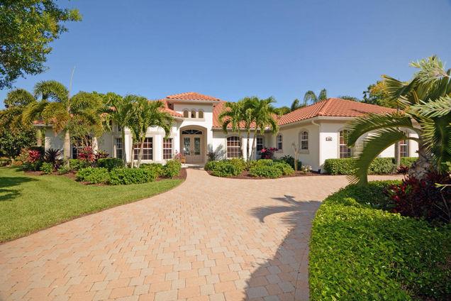 1680 E Rosewood Court, Vero Beach, FL 32966 - MLS# RX