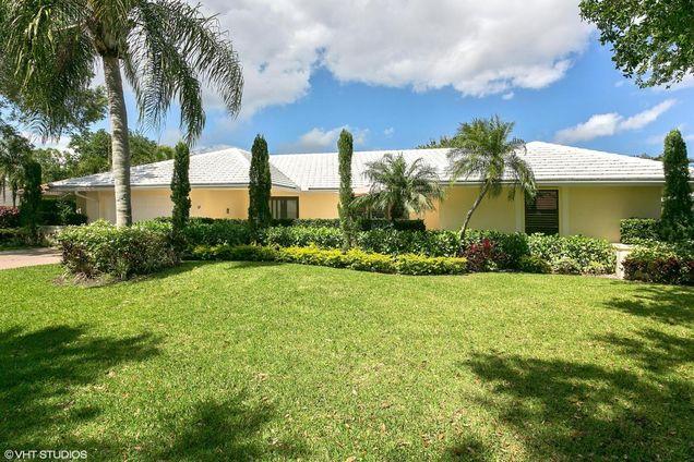 17 Glengary Road, Palm Beach Gardens, FL 33418 - MLS# RX-10325131 ...