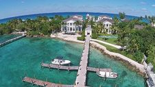 0 Beach House, Paradise Island