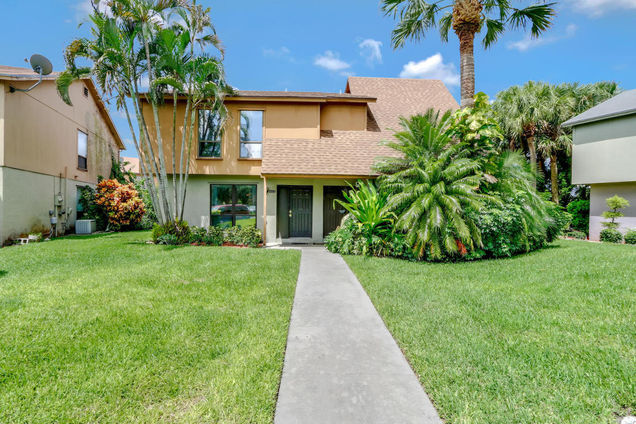 412 Sandtree Drive, Palm Beach Gardens, FL 33403 - MLS# RX-10363555 ...