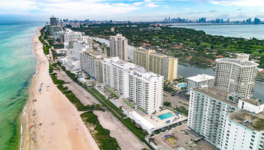 5601 Collins Avenue Unit 1703