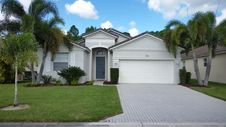276 SW Lake Forest Way