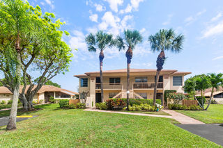 5727 Spindle Palm Court Unit B