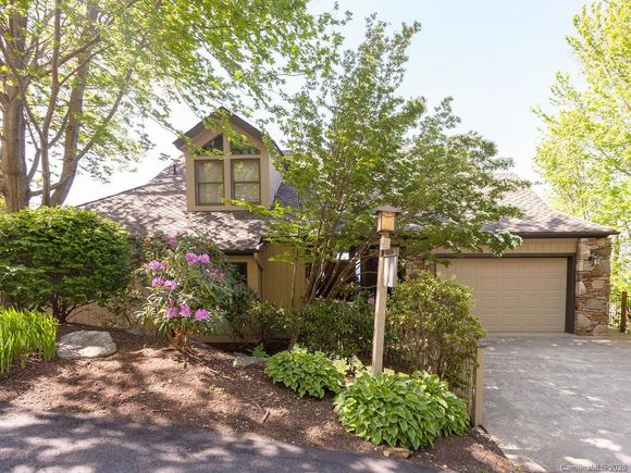 450 Rhododendron Lane - Photo 1 of 28