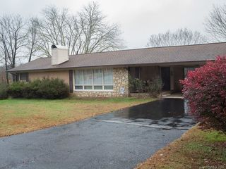 546 Country Club Road