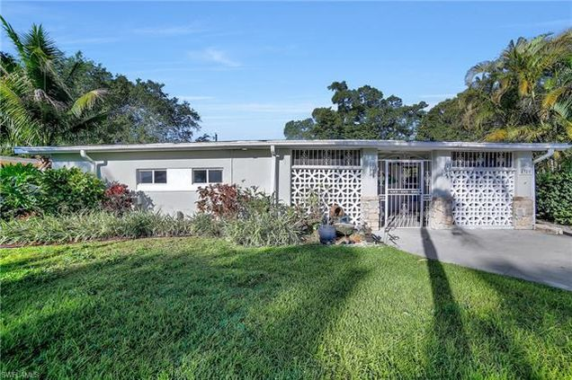4380 Hill Dr, Fort Myers, FL 33901 - MLS# 218012600   Estately