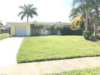 1717 Lakeside Terrace