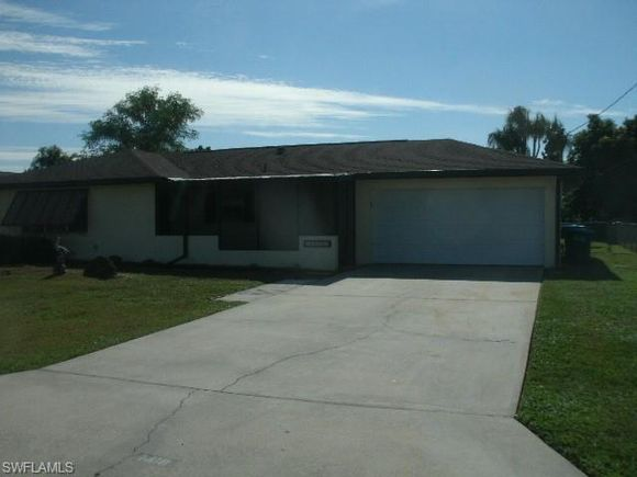 1418 Se 17th St Cape C Fl 33990 Mls 219081159 Estately