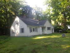 22 Atwater Pl