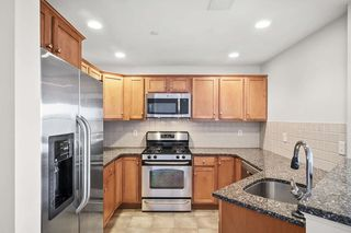 120 Wyllis Ave Unit 404