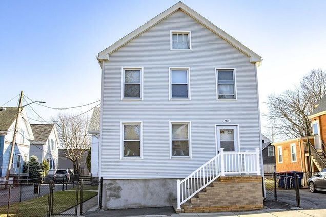 Stupendous 90 Parker St New Bedford Ma 02740 Mls 72476746 Estately Home Interior And Landscaping Ponolsignezvosmurscom
