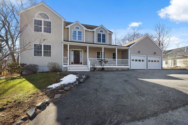 14 Wompatuck Rd - Photo 1 of 35