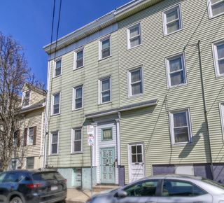 47 Russell St