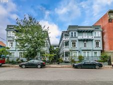 2127 NW IRVING ST 307