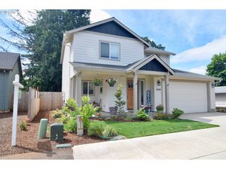 309 NW PACIFIC HILLS DR