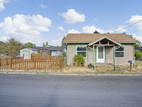 340 S 8th AVE - Photo 1 of 22