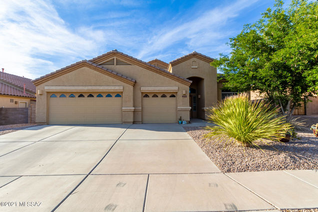 6478 W Castle Pines Way - Photo 1 of 43
