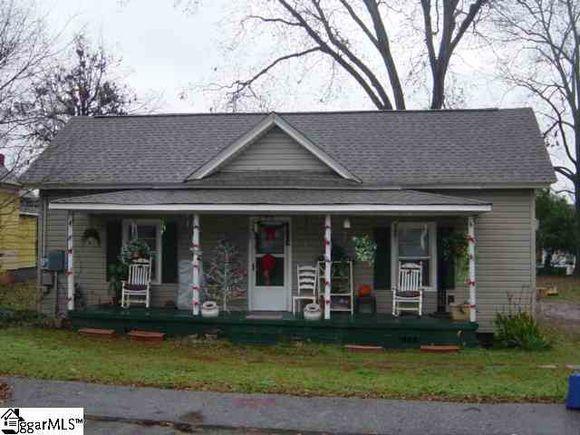 105 Parris Avenue - Photo 1 of 1