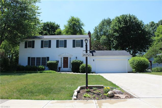 26925 Sleepy Hollow Dr, Westlake, OH 44145 - MLS# 3979452 | Estately