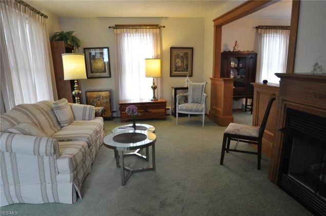 134 Oakwood Dr Avon Lake Oh 44012 Mls 4073867 Estately