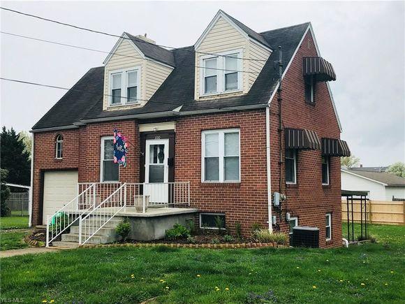 1110 West Virginia Avenue, Parkersburg, WV 26104 - MLS# 4088609 | Estately