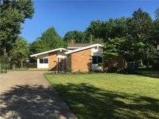 24147 Woodmere Dr