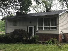 263 Cluster Ave