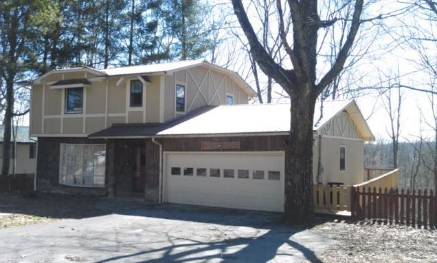 604 Holiday Haven Dr - Photo 0 of 17