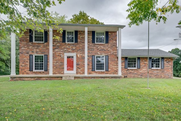 8860 Lyles Rd - Photo 1 of 36