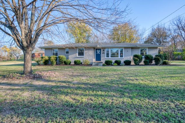 4824 Timberhill Dr - Photo 0 of 38