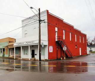 76 Main Street