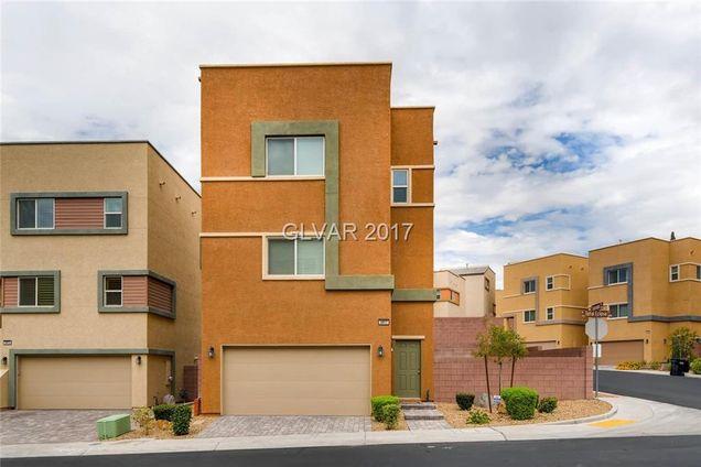 Eclipse Las Vegas >> 3917 Total Eclipse Street Las Vegas Nv 89129 Mls 1916658 Estately